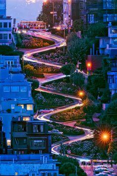 Lombard Street, San Francisco by David Yu