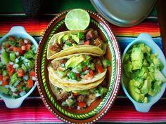 Tacos de Carnitas - Como Hacer Tacos de Puerco   QueRicaVida.com