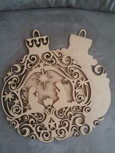 enfeite-de-porta-presepio-de-natal-menino-jesus.jpg (900×1200)