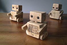 Robots en cubes de palettes.