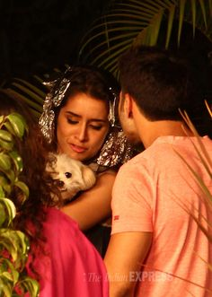 Shraddha Kapoor and Varun Dhawan spotted shooting for Remo D'Souza's 'Any Body… Most Beautiful Bollywood Actress, Beautiful Indian Actress, Beautiful Actresses, Bollywood Actors, Bollywood Celebrities, Bollywood Fashion, Ok Jaanu Movie, Shraddha Kapoor Half Girlfriend, Best Happy Birthday Quotes