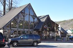 The Smoky Mountain Brewery in downtown Gatlinburg.