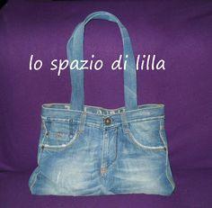 lo spazio di lilla: Facciamo insieme...una borsa da un vecchio paio di jeans / Let's make together...a tote using an old pair of jeans