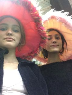 Lily and Amelia, two imaginative girls like their headdresses Lily Rose Depp Style, Lily Rose Melody Depp, Lily Depp, Besties, Bff, Teenage Dream, Celebs, Celebrities, Friend Pictures