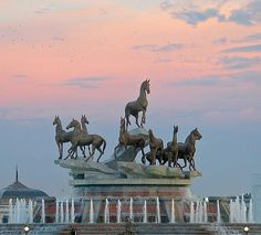 Akhal-Teke horses - one of the brands of Turkmenistan, Monument to Turkmen horses
