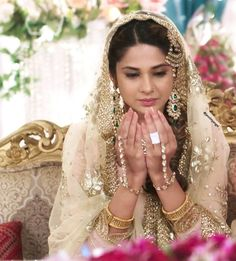 The way she portrait her every character her every expressions, it's beyond perfection 👌 angel 👼 will telecast… Indian Bridal Outfits, Pakistani Bridal Dresses, Jennifer Winget Beyhadh, Tashan E Ishq, Indian Celebrities, Wedding Wear, Bollywood Actress, Indian Actresses, Beautiful Bride