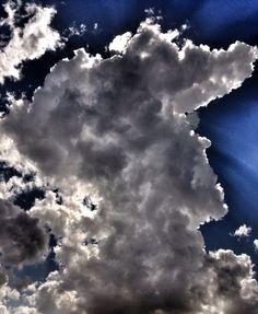 El cielo de hoy, con hermosas formas y luces