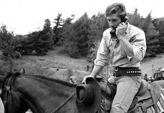 On the set of Laramie. Laramie Tv Series, Robert Fuller Actor, Old Western Movies, Celebrities Who Died, Elmore Leonard, Best Hero, Tv Westerns, The Virginian, Actor Picture