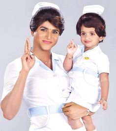 SivaKartikeyan with his daughter AaradhanaSK in Remo look ! Cute Kids Photos, Happy Photos, Actor Picture, Actor Photo, Old Bollywood Movies, Tamil Movies, Sivakarthikeyan Wallpapers, Sai Pallavi Hd Images, Indian Wedding Gowns