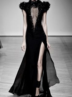 """On Aura Tout Vu Haute Couture Spring 2014 this is obviously a """"bad bitch"""" dress."""