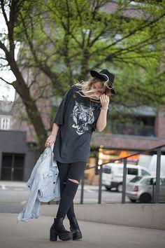 More looks by Wioletta Kozioł: http://lb.nu/anothergirlofficial  #grunge #street #vintage #zara #festival #rock #black #streetstyle #streetwear