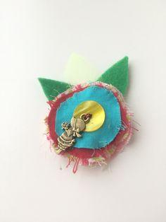 Barrette enfant fleur bleue et coeur jaune - broche textile - bijoux de cheveux : Accessoires coiffure par les3sardines