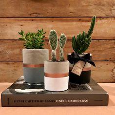 Precious Tips for Outdoor Gardens - Modern Fake Plants Decor, Cactus Decor, Plant Decor, Concrete Crafts, Concrete Planters, Shed Makeover, Pillow Crafts, Decorated Flower Pots, Cement Art