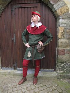 Summer outfit of an early 14th century knight by ~wyverex on deviantART
