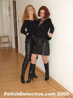 Black Leather Mini Skirt, Leather Skirt, Leder Outfits, Skirts With Boots, Evening Attire, Leather Dresses, Young Fashion, Sexy Boots, Leather Gloves