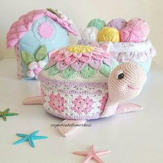 Crochet Case, Crochet Box, Crochet Baby Toys, Crochet Crafts, Crochet Clothes, Crochet Hooks, Crochet Projects, Crochet World, Crochet Potholder Patterns