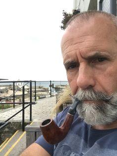 Man Smoking, Cigar Smoking, Smoking Pipes, Bald With Beard, Bald Men, Village People, Beard Styles For Men, Pipes And Cigars, Men With Grey Hair