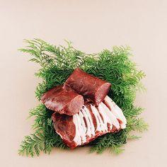 #ジビエ肉 / #山川屋 . 産地直送の鹿肉と猪肉。しっかりと処理をされた新鮮なお肉です! ※鹿肉は9月末頃から販売予定です。 . . . #OitaMade #大分 #別府 #大分土産 #別府土産 #お土産 #ギフト #プレゼント #観光 #旅行 #別府観光 #大分旅行 #別府旅行 #Oita #Beppu #Souvenir #Gift #Tourism #ジビエ #肉 #鹿肉 #猪肉 #鹿 #猪 #🦌 #🐗