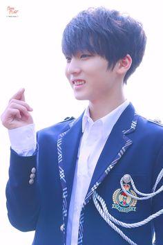 trcng Korean Music, Ji Sung, Asian Boys, Kpop Boy, Boy Groups, Rapper, Champion, Teen, Cute
