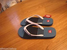 Men's Quiksilver flip flops thongs sandals 8 molokai navy blue stripe NWT NEW