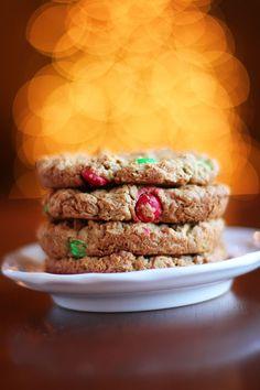 Handmade Christmas Idea: Cookie Mix in a Jar #Recipe + Free Printable Gift Tags kevinandamanda.com