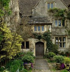 Beautiful Buildings, Beautiful Homes, Beautiful Places, Beautiful Life, Cottages Anglais, Cozy Cottage, Witch Cottage, Stone Houses, English Countryside