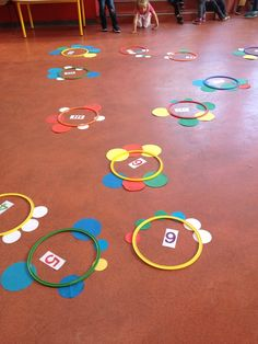 Flower Count - The Vivi Kindergarten - # Numeration . 2d Shapes Activities, Counting Activities, Preschool Learning Activities, Math Classroom, Infant Activities, Preschool Activities, Kindergarten, Math Games For Kids, Teaching Numbers