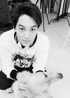 How much he loves his dogs is sooooooo CUTE/ kai ~ Luhan, Kaisoo, Taemin, Shinee, Bigbang Concert, Exo Smtown, Exo Fan, Kim Jongin, Exo Members