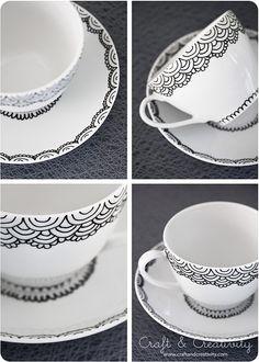 Handmålad kopp och fat – Handpainted cup and saucer (Craft & Creativity) Sharpie Crafts, Sharpie Pens, Diy Crafts, Sharpies, Sharpie Plates, Diy Becher, Porcelain Pens, Painted Mugs, Hand Painted