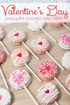 Make these EASY Valentine's Day Chocolate Covered Oreo Pops for your sweetheart! :hearts: Timeout with M Make these EASY Valentine's Day Chocolate Covered Oreo Pops for your sweetheart! :hearts: Timeout with Mom: Valentines Day Chocolate Covered Oreo Pops Valentine Desserts, Valentines Day Food, Valentines Baking, Valentines Day Chocolates, Valentine Cookies, Valentine Chocolate, Valentines Recipes, Kids Valentines Party Food, Valentines Day For Coworkers