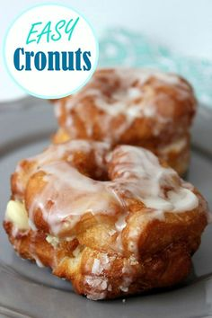 Easy Cronuts Recipe - airy doughnuts made from crescent pastry dough and topped with a super easy vanilla icing.