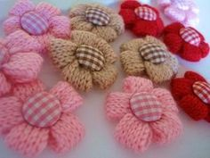 Knitted Flower Gingham Button