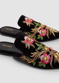 Embroidered floral shoes   MANGO