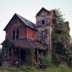 Abandoned house along the Elk River, WV
