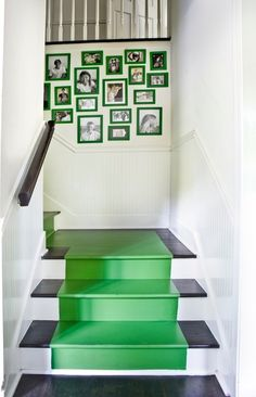 Bright paint runner for basement stairs, love the color frames. contemporary staircase by Erica George Dines Photography Painted Staircases, Painted Stairs, Painted Frames, Painted Rug, Spiral Staircases, Hardwood Stairs, Wooden Stairs, Home Tumblr, Staircase Runner