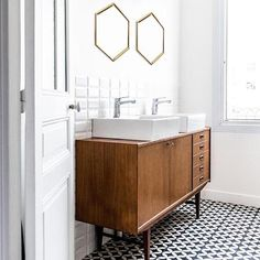 "1,124 mentions J'aime, 5 commentaires - Selency by Brocante Lab (@selency) sur Instagram : ""L'enfilade en meuble de salle de bain, on veut ça ou rien. 