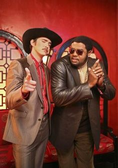 Ned & Emerson-Pushing Daisies.. These two were amazingly funny.. (: