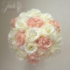 Barack & ekrü ékszercsokor örök rózsákból #örökcsokor #ékszercsokor #blushpink Wedding Flowers, Creative, Beautiful, Decor, Decoration, Decorating, Bridal Flowers, Deco