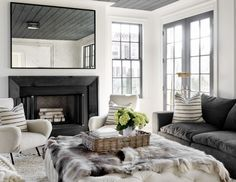 Painted ceiling, doors and window~ HOUSE TOUR: A Fashion-Forward Home That's Surprisingly Kid-Friendly Living Room On A Budget, My Living Room, Living Room Furniture, Living Room Decor, Living Spaces, Small Room Design, Family Room Design, Elle Decor, Les Hamptons