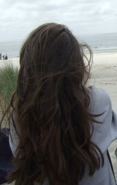 Show Off Your Messy Beach Hair - Hairstyles and Beauty Tips