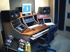 homemade of cheese Home Studio Desk, Studio Build, Studio Furniture, Studio Setup, Studio Ideas, Music Desk, Oak Plywood, Buy Desk, Recording Studio Design