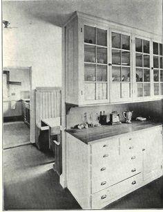 1920 kitchen  Poignées, portes d'armoires vitrées