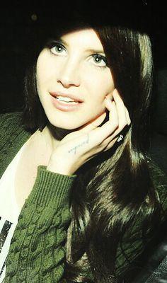 Lana Del Rey #LDR https://www.facebook.com/video.php?v=396652330489962&set=vb.100004355940736&type=2&theater