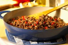 This shipwreck casserole recipe is a combination of ground beef, rice, and vegetables, all layered in a baking pan and baked in a slow oven. Beef Casserole Recipes, Roast Beef Recipes, Pasta Casserole, Ground Beef Recipes, Hamburger Recipes, Superfood, Easy Ground Beef Casseroles, Cooking Recipes, Healthy Recipes
