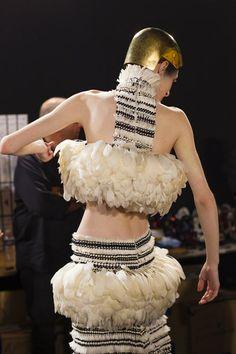 Alexander McQueen: Fashion Week Spring/Summer 2014 (Vogue.com UK)