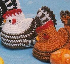 Barevná slepička | RUČNÍ PLETENÍ A HÁČKOVÁNÍ - NÁVODY ZDARMA Crochet Earrings, Crochet Hats, Diy, Knitting Hats, Bricolage, Do It Yourself, Homemade, Diys, Crafting