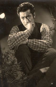 Handsome Toshiro Mifune circa 1950