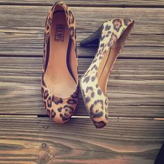 Leopard Print Pumps Adorable pump heels with a rounded toe, looks perfect with colors and with all black | NO TRADES, NO PAYPAL, NO HOLDS & all negotiations through the offer button, please ❤️ Mix No. 6 Shoes Heels