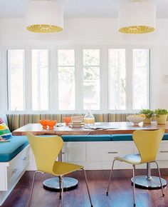 Banquette - a little country for me, but I would try to modernize it!