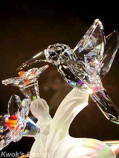 Swarovski Crystal Figurine Hummingbird with flower Box/COA